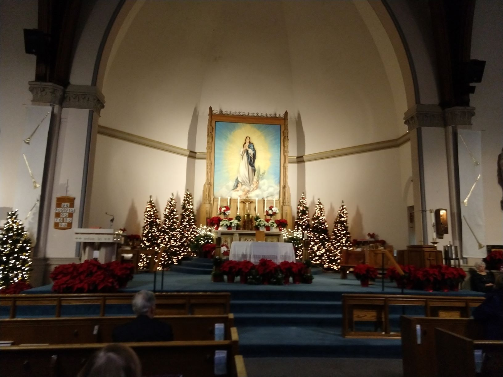 A photo of the altar on Christmas 2019